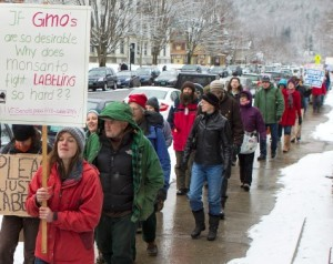 VPIRG hosted a GMO Labeling Campaign event at the Vermont State House Thursday advocating a strong GMO labeling bill be passed through the state Senate in the 2014 legislative session.